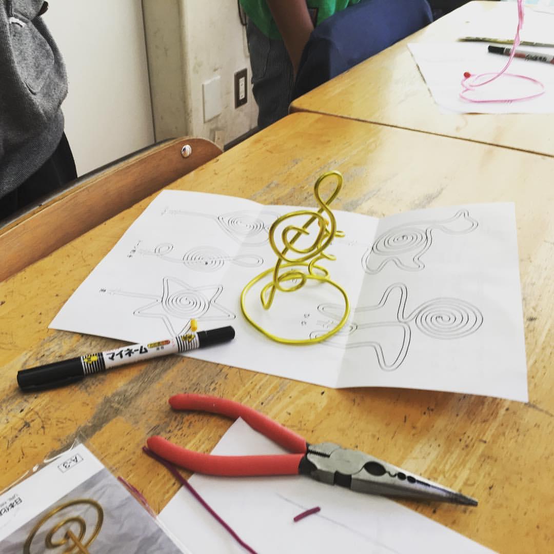 ワイヤーアート体験教室@鴻池東小学校