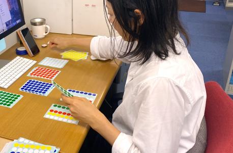 モノづくり体験教室、教材準備中〜作図・サイコロを作ろう体験教室〜
